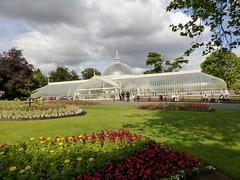 Kibble Palace (Wider World) Tags: grass scotland glasgow lawn westend botanicgardens bedding kibblepalace