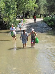 Il guado. (sangiopanza2000) Tags: river palinuro fiume unesco worldheritagesite guado cilento sangiopanza fiumelambro parconaturaledelcilento