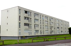 Barre (xavnco2) Tags: france building architecture french housing barre immeuble picardie archi somme longueau
