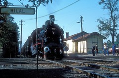 45132  Izmir  19.10.82 (w. + h. brutzer) Tags: analog train turkey nikon railway zug trains 45 steam trkei izmir dampflok lokomotive eisenbahnen tcdd dampfloks webru