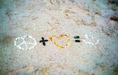 Esperanto (ComuniCosmos) Tags: love portugal faro peace message amor cellphone paz happiness mobilephone felicidad lovepeace mensaje teléfonomóvil ilhadeserta snapseed