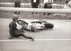 33b-pilota-in-caduta---xxiv--circuito-di-crema-s.-maria---1966