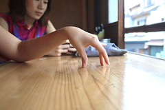 (tenpadego) Tags: summer girl japan kyoto hand finger 京都 日本 夏 手 女の子 指