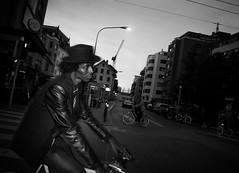 flash (#ZS) Tags: street people white black streets face hat bike bicycle night contrast tour flash 28mm 4 zurich hut your hood groove session gr 28 zrich blitz rue kontrast zuerich ricoh f28 velo k4 vibe kreis langstrasse strassen glanz grd lederjacke militrstrasse cheib