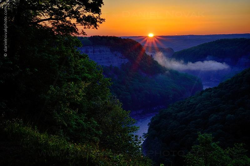 Genesee River Great Bend of Letchworth at Sunrise (DTB_1987-89)