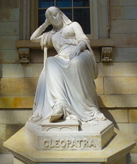 Metropolitan Museum Of Art NYC - William Wetmore Story 1869 Cleopatra (Christian Montone) Tags: nyc newyorkcity newyork art museum artmuseum museums montone themet metropolitanmuseumofart metmuseum christianmontone