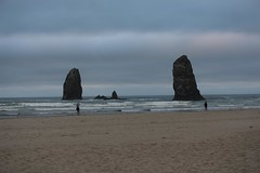 IMGL4031 (komissarov_a) Tags: cannonbeach haystackrock oregoncoast 101 formations tidepools sunsets spectacular ocean viewpoints rocks attraction tides running hiking skyhigh scenic pacific west surprise beautiful sandy shoreline perfect wonderland remarkable refreshing unbeatable stunning scenery unforgettable vistas naturalareas komissarova streetphotography rgb canon 5d m3 color rainforest downtown paradise dramatic enjoyable landscapes famous nationalgeographic magazine picturesque sidewalks artgalleries specialtyshops restaurants oneoftheworlds100mostbeautifulplaces