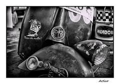 Boia chi molla! (Artico7) Tags: boiachimolla benito mussolini benitomussolini old vintage vespa ruined scraped rusty sticker adesivo faro basso farobasso scooter preziosa vecchia storia mercatino market exchange caorle italy bw blackwhite blackandwhite biancoenero monochrome fuji xe1
