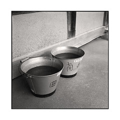 everready  osaka, japan  2015 (lem's) Tags: everready toujours pret 2 buckets wtaer eau seaux osaka japon japan rolleiflex planar