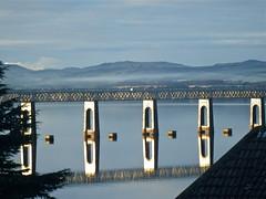 Dundee Rail Bridge (nz_willowherb) Tags: scotland fife dundee wormit railbridge sunshine firthoftay reflections buoyant