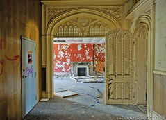 The grandeur of Joliet Prison. More here: http://www.placesthatwere.com/2016/11/inside-joliet-correctional-center-abandoned-prison.html #abandoned #doors #neogothic #architecture #entryway #arch #peelingpaint #crackedpaint #abandonedplaces #abandonedbuild (placesthatwere) Tags: abandoned urbanexploration ghosttowns urbex rurex abandonedplaces forgottenplaces urbandecay decay beautifuldecay