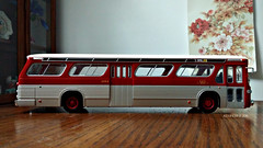 Hachette GMC New Look Bus Model (5) (Alexander Ly) Tags: ttc toronto transit commission hachette collection france montreal montrealnord nord quebec canada ontario gm gmc gmdd new look bus autobus fishbowl tdh5301 old vintage city vieux scale model modele reduit