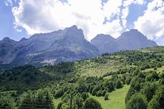 Valle de Tena, Pirineo Aragons (ipomar47) Tags: pirineos pirineo huesca aragones espaa spain valle tena valledetena pentax k20d naturaleza nature