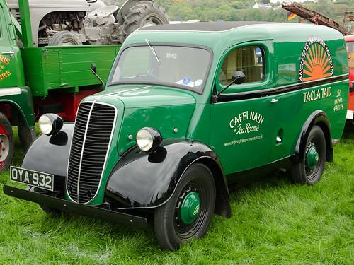 Fordson E83W Van (1952)