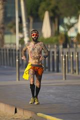 Tattoo (500 F8 Reflex) (alimoche67) Tags: barcelona españa minolta sony playa 99 barceloneta alpha cataluña slt 500f8 translucentmirror josejurado