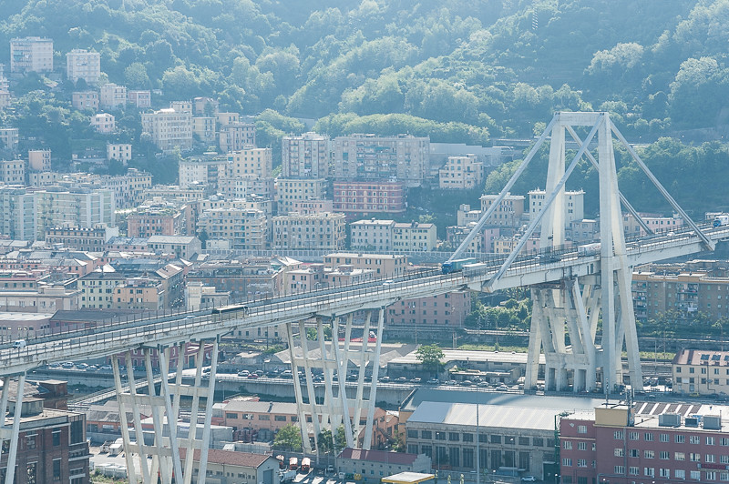 Fabulous viadotto sul polcevera genova tags bridge italy for Cosmet genova