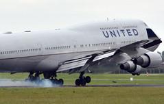 Smokey! - N177UA - United Airlines B747-400 (✈ Adam_Ryan ✈) Tags: united dub americanfootball unitedairlines b747 dublinairport eidw smokeytouchdown smokeylanding b747dublinairport dublinairport2014