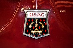 The Renault badge on MAO 346E. (Raymondo166) Tags: red france colour car closeup no deluxe going renault badge 1967 mao registered service through bonnet coloured reg carlisle rare registration dauphine nationale regie fitted 346e