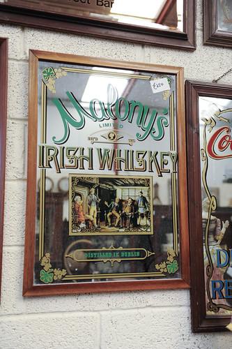 Molony's Whiskey Mirror € 300