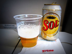 #TAM Airlines #A320 / #WindowView , #GIG to #GRU () Tags: brazil vacation holiday sol latinamerica southamerica beer brasil plane airplane inflight jj cidademaravilhosa aircraft cerveza gig jet brasilien airbus windowview bier birra rtw tam brasile airliner vacanze bire a320 brsil roundtheworld sudamerica  amricadosul amricalatina globetrotter cwrw southernhemisphere brazili zonasul airbusa320 coldone amriquelatine 16days   amricadelsur sdamerika solbeer  worl