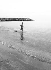 Running along the beach P1150769 (jantoniojess) Tags: sea españa beach spain playa running run almería villaricos runningalongthebeach quietsea playadevillaricos