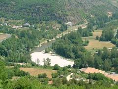 mot-2002-riviere-sur-tarn-viewfrom_peyrelade_chateau02_800x600