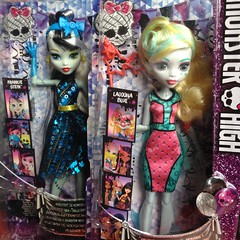Welcome To Monster High - Frankie Stein & Lagoona Blue (MyMonsterHighWorld) Tags: monster high welcome to dance the fright away photobooth ghouls mh mattel reboot 2016 doll lagoona blue frankie stein draculaura clawdeen wolf