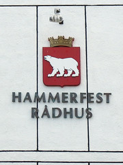 Hammerfest Coat of Arms on the Town Hall (Phil Masters) Tags: norwayholiday norway 20thjuly july2016 hammerfest hammerfestcoatofarms townhall coatofarms hammerfestrdhus hammerfestradhus rdhus radhus hammerfesttownhall
