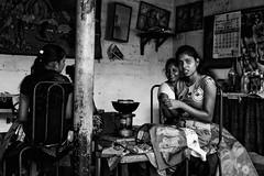batik girls- People of Sri Lanka (Claudia Merighi) Tags: handicraft batik lab srilanka blackandwhitephotos blackandwhite blackandwhiteonly blackwhitephotos bw bnbwbwbiancoenero noiretblanc schwarzweisfotos streetphotography reportage documentaryphotography reportagespotlight streetphotographers claudiamerighi pentaxk3 k3 ricoh