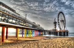 Scheveningse Pier     --HDR-- (Frank Berbers) Tags: scheveningsepier scheveningen zuidholland 2016 hdr highdynamicrange imageriegrandegammedynamique reuzenrad bungeejumpinstallatie pier nederland niederlande netherlands paysbas architectuur architecture architektur bouwwerk building gebude immeuble