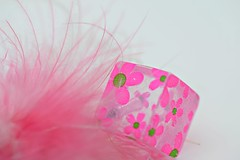 Fluffy and floral ... a pencil topper! (Maria Godfrida (absent for a while)) Tags: stationery penciltopper pencildecoration flowers pink pinkflowers feather pinkfeather fluffy closeup macro 7dwf