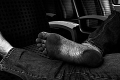 dirty feet in black and white 009 (dirtyfeet6811) Tags: feet soles barefoot dirtyfeet dirtysoles blacksoles