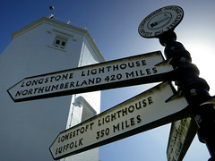 (2016) (028) (krlo_Ox) Tags: lizardpoint lizardlighthouse cornwall uk signpost lowangle backlighting lighthouse miles krloox
