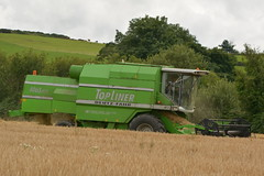 Deutz Fahr 4065 HTS Topliner Combine Harvester cutting Winter Barley (Shane Casey CK25) Tags: deutz fahr 4065 hts topliner combine harvester cutting winter barley green sdf df samedeutzfahr deutzfahr bartlemy grain harvest grain2016 grain16 harvest2016 harvest16 corn2016 corn crop tillage crops cereal cereals golden straw dust chaff county cork ireland irish farm farmer farming agri agriculture contractor field ground soil earth work working horse power horsepower hp pull pulling cut knife blade blades machine machinery collect collecting mähdrescher cosechadora moissonneusebatteuse kombajny zbożowe kombajn maaidorser mietitrebbia nikon d7100