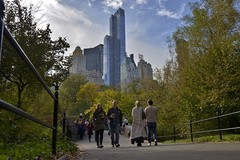 norland cruz photography: strolling through central park in october (norlandcruz74) Tags: manhattan people norland cruz pinoy filipino filam nikon dx d5100 central park nyc ny new york city contrast october 2016
