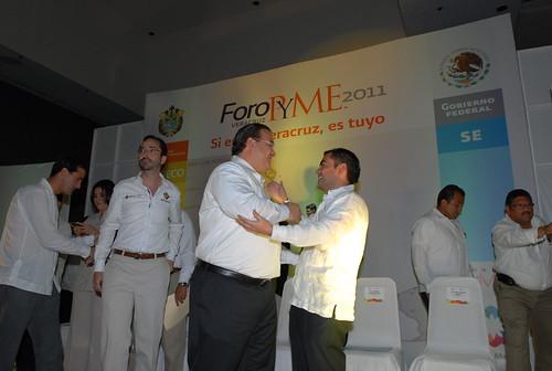 """El gobernador Javier Duarte de Ochoa inauguró el Foro PYME """"Si es de Veracruz, es tuyo"""" 8"""