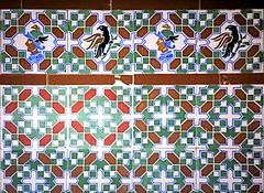 Barcelona - Astries 019 e (Arnim Schulz) Tags: modernisme barcelona artnouveau stilefloreale jugendstil catalua catalunya catalonia katalonien arquitectura architecture architektur spanien spain espagne espaa espanya belleepoque art kunst arte modernismo building gebude edificio btiment faence carreau glazed tile baldosa azulejos kacheln mosaque mosaic mosaik mosaico baukunst tiles gaud pattern deco liberty textur texture muster textura decoracin dekoration deko