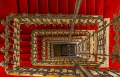 La escalera roja (Carhove) Tags: stair staircase escalera red rojo arquitectura architecture