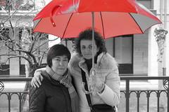 image (agirre_olabezar) Tags: das lluviosos paraguas rojo
