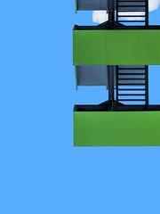 Vert-tige ! (Isabelle Gallay) Tags: architecture urban urbain city ville stairs escaliers colors couleurs green vert sky ciel blue bleu aquitaine gironde talence fuji fujifilm street