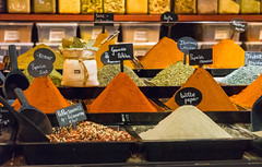 Gerookte Paprika (Ni1050) Tags: markthal gewürze rotterdam ninicrew ni1050 sony a7 ilce7 holland nederland niederlande 2016 spices paprika orange farben colours colors inexplore explore nl