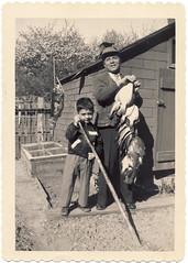 Pasquale, Ronald and flounder, Bronx, about 1953 (Robert Barone) Tags: newyorkcity newyork vintage ronald bronx pasquale flounder italians italianamericans 1953 italiani 10462 fotodepoca coldenavenue disisto