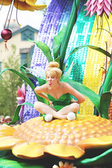 Tinker Bell (Princess Shea) Tags: tinkerbell peterpan disney disneyworld waltdisneyworld magickingdom disneyparade disneyfairies facecharacter paradeperformer paradedancers facecharacters paradeperformers paradedancer peterpanunit festivaloffantasyparade festivaloffantasy fofparade