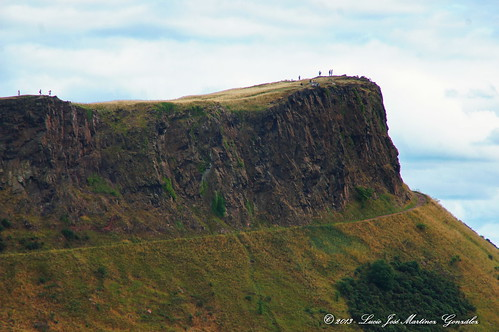 "Edinbourgh - Arthur's Seat • <a style=""font-size:0.8em;"" href=""http://www.flickr.com/photos/26679841@N00/14582699748/"" target=""_blank"">View on Flickr</a>"