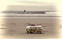 Harris on the beach at Manly (loobyloo55) Tags: beach sand manly australia vwkombi