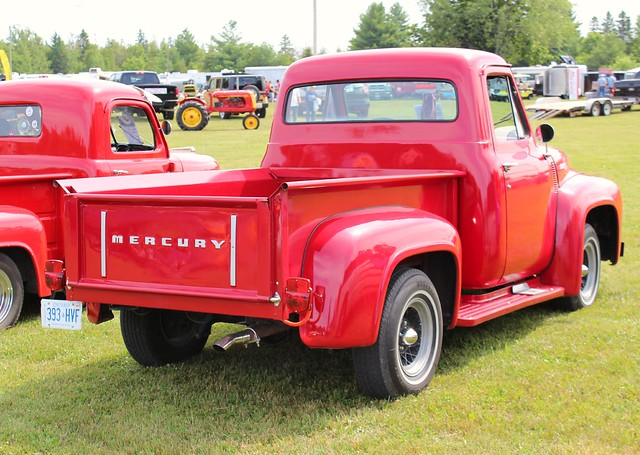 canadian ©richardspiegelmancarphoto 1955mercurym100pickup havelockshow2014