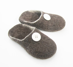 Handfelted wool slippers (smoothmetaldesign) Tags: brown men wool felted shoes felting handmade buttons felt handcrafted slippers slipin homeshoes