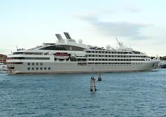 Le Soleal (Gerry Hill) Tags: cruise venice italy lake boat nikon garda italia ship le lido imo d90 p6000 soleal 9641675