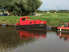 (Sam Tait) Tags: red england marina work river boat canal ratcliffe redhill tug narrow narrowboat soar litle iphone pusher 5s