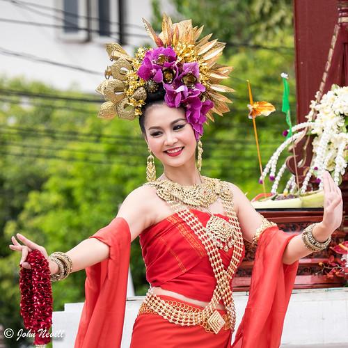 Thailand 2014 - Chiang Mai - Thai Flower Dancers8